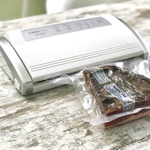 02 Dinamika: the vacuum sealer compact, elegant and cheaper but with no compromises on performance