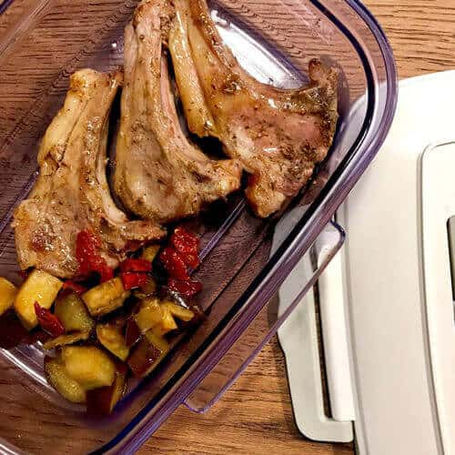 18 Recipe: Lamb chops marinated and preserved with vacuum system